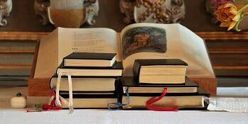 Bøger i kirken