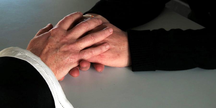 Hænder der trøster